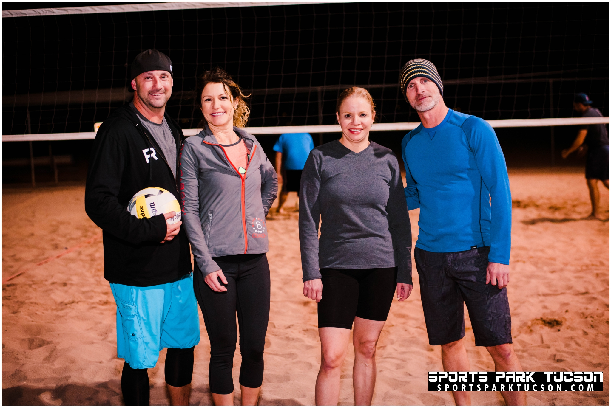 Volleyball Wed Co-ed 4 v 4 - Gold, Team: set it & forget it