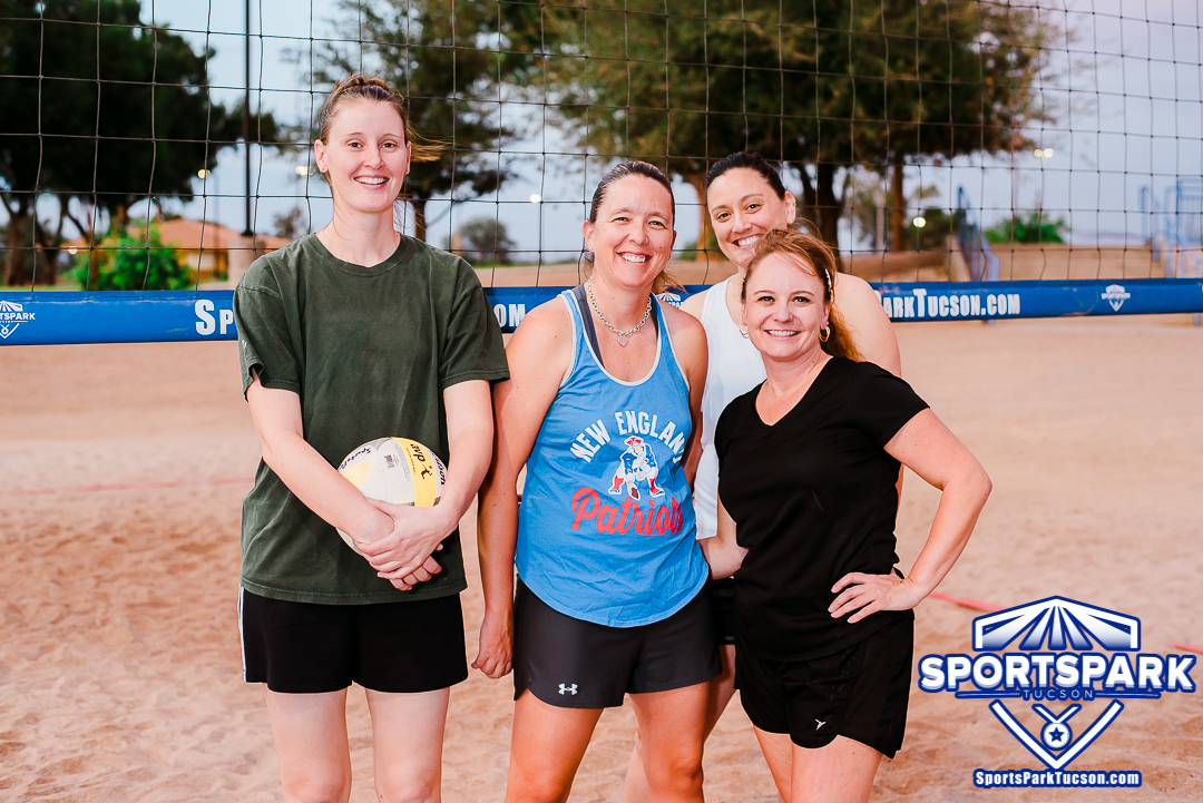 Volleyball Tue Women's 4v4 - A/B, Team: Ball Busters