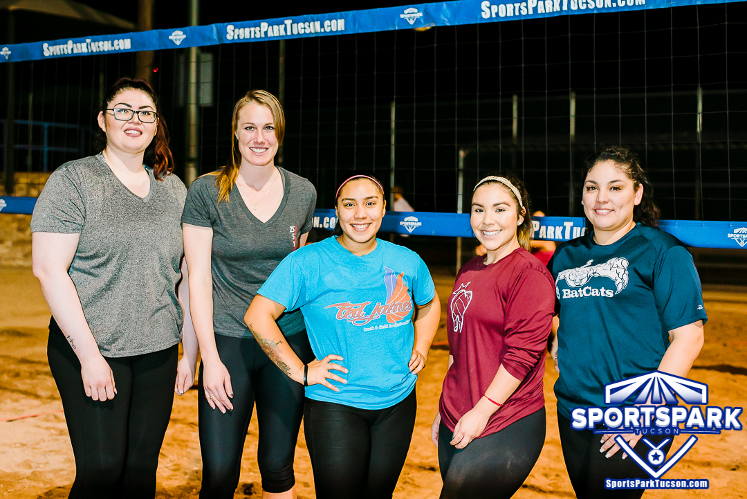 Volleyball Tue Women's 4v4 - A/B, Team: Last Minute