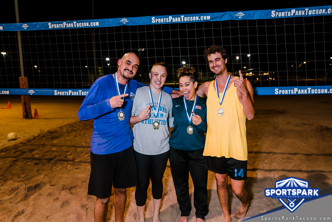 Volleyball Mon Co-ed 4v4 - Mix Champions