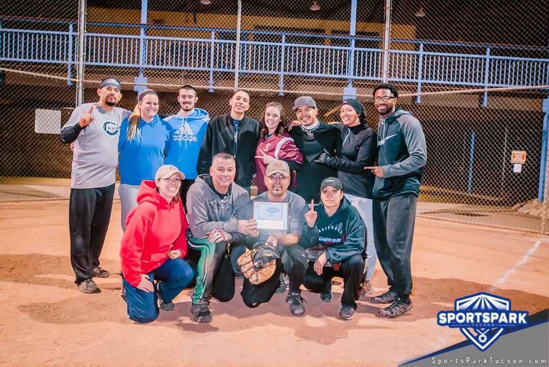 Softball Fri Coed 10v10 - E Champions