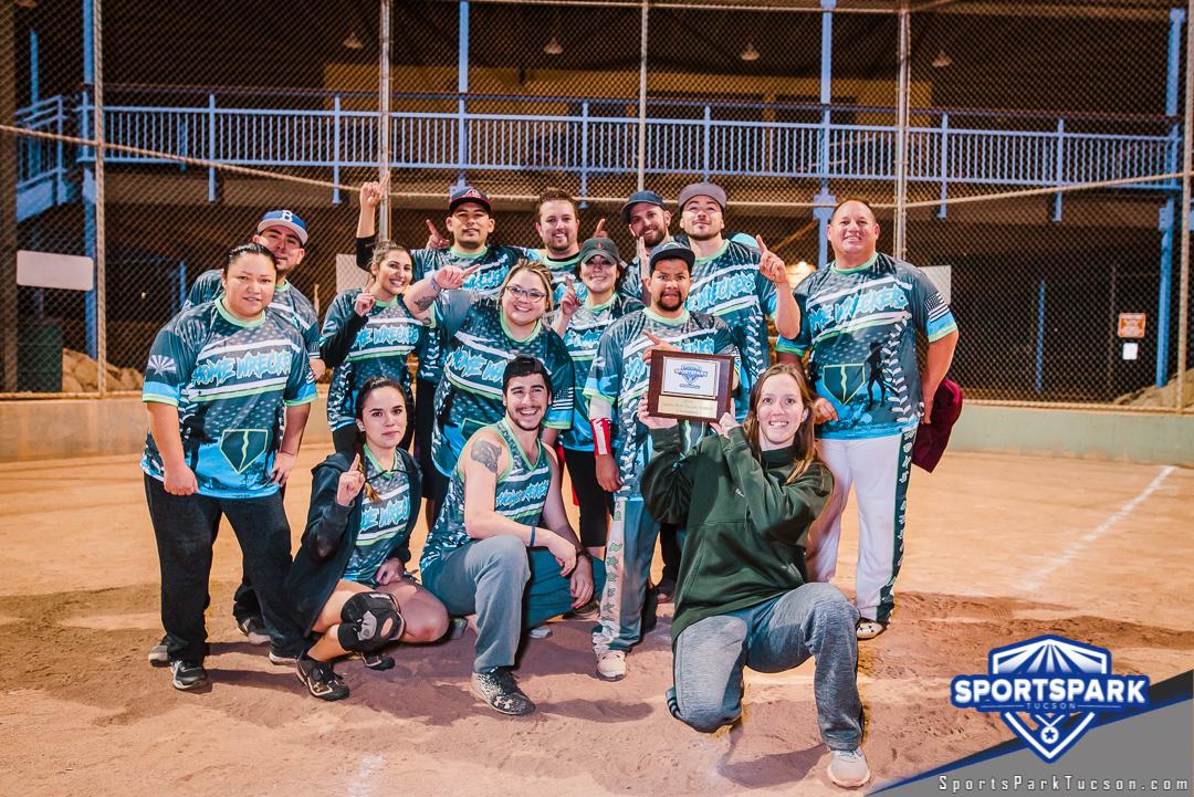 Softball Mon Coed 10v10 - E Champions