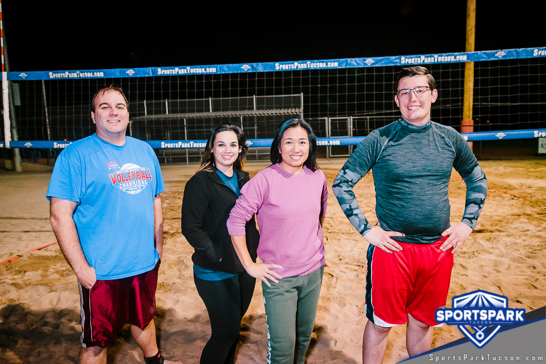 Volleyball Wed Co-ed 4v4 - A/B, Team: Set to play