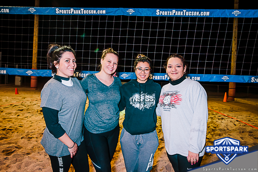 Volleyball Thu Women's 6v6 - A/B, Team: Pink Ladies