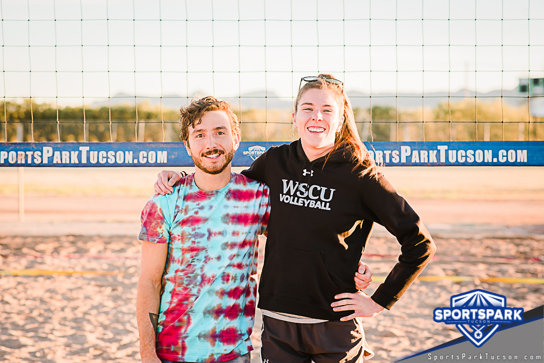 Volleyball Sun Co-ed 2v2 - A/B, Team: Honey Badgers
