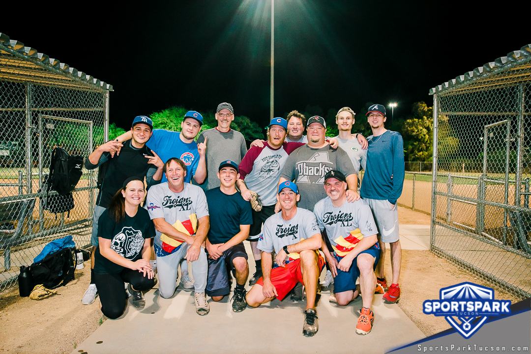 Softball Mon Men's 10v10 - E Champions