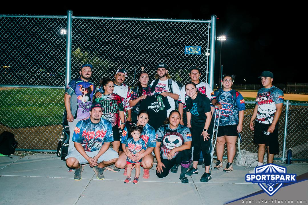 Softball Sun Co-ed 10v10 - E, Team: Wicked swing