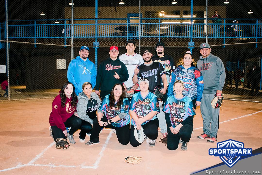 Softball Sun Co-ed 10v10 - D, Team: Ball-a-Holics