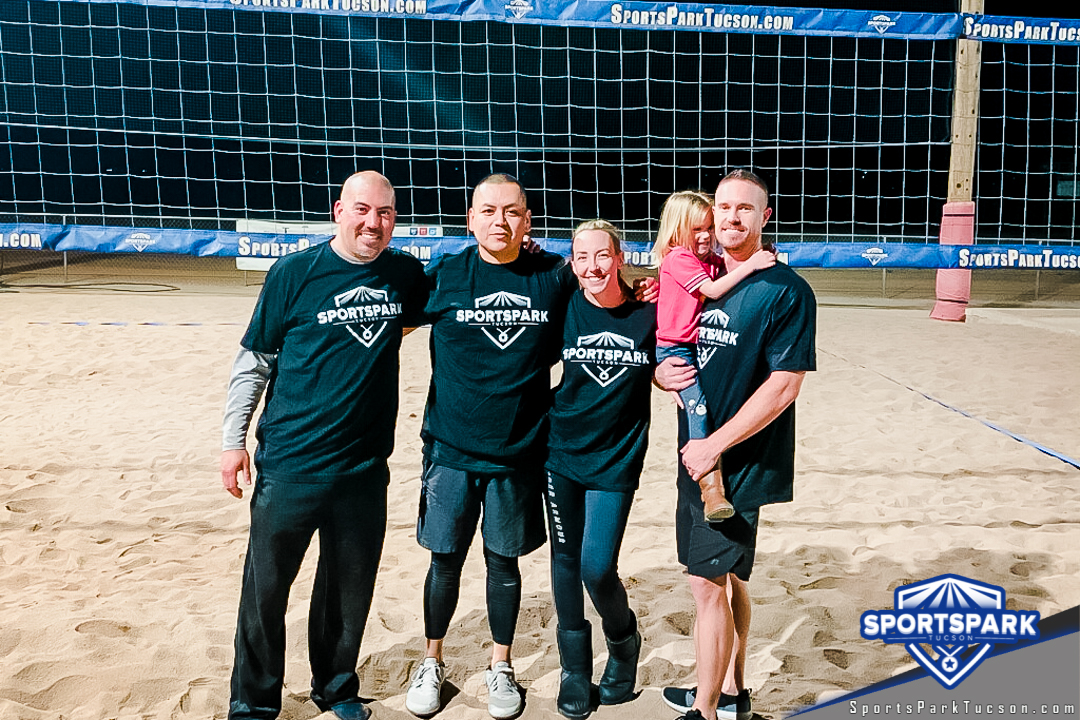 Volleyball Mon Co-ed Lite 4v4 - A/B, Team: Sweet Digs
