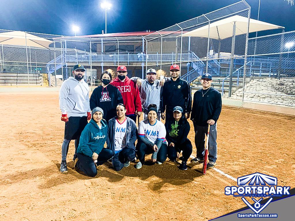 Softball Mon Co-ed 10v10 - E/Rec, Team: #NoMamesBro