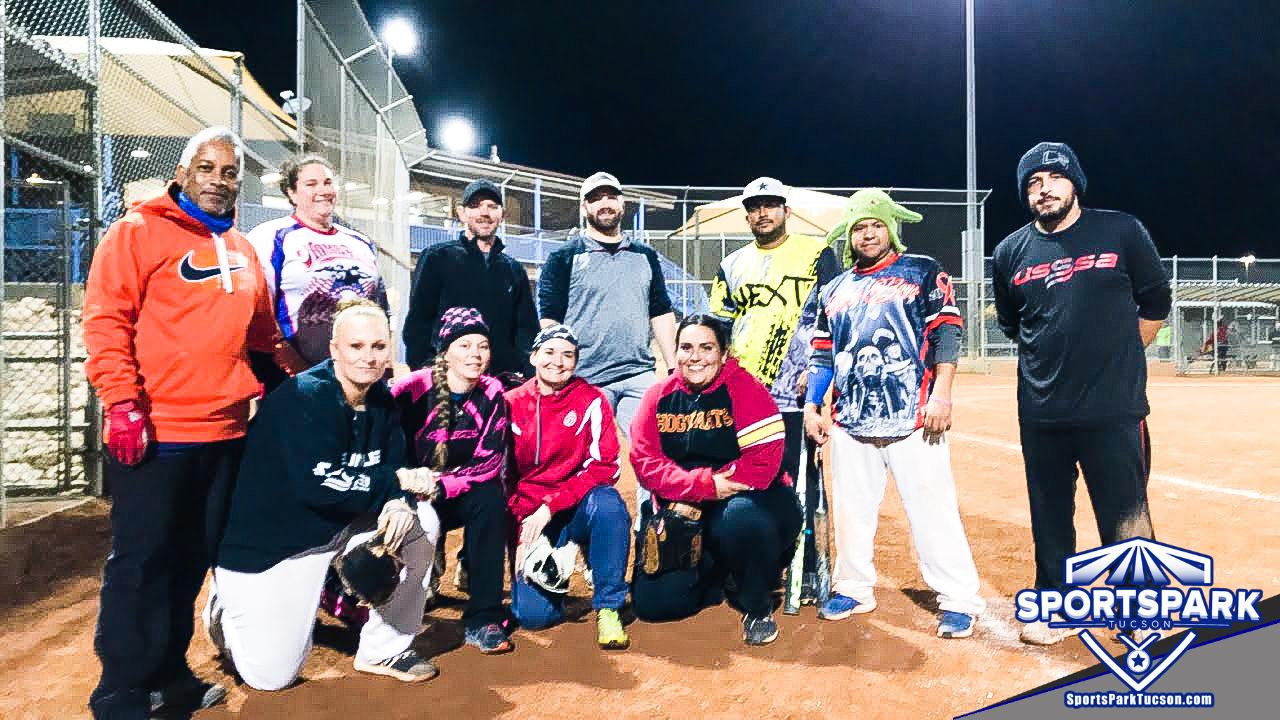Softball Mon Co-ed 10v10 - E, Team: No Chance