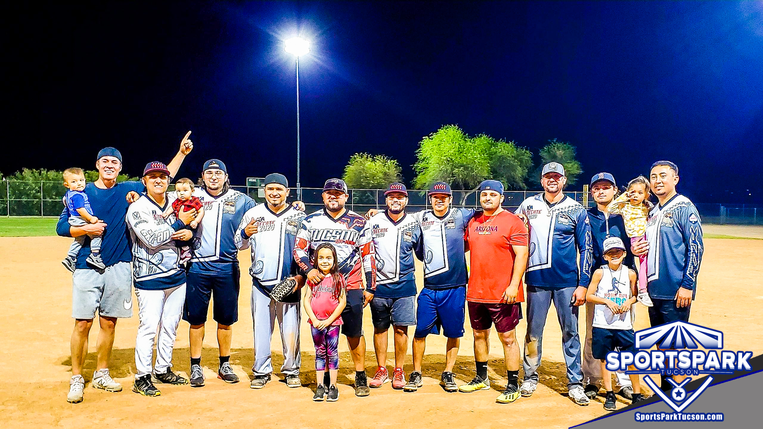 Softball Mon Men's 10v10 - E-2, Team: Tucson Off Road