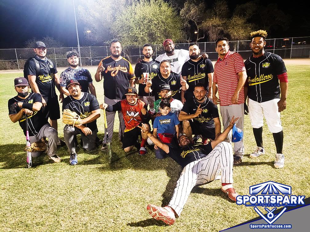 Softball Mon Men's 10v10 - E Champions