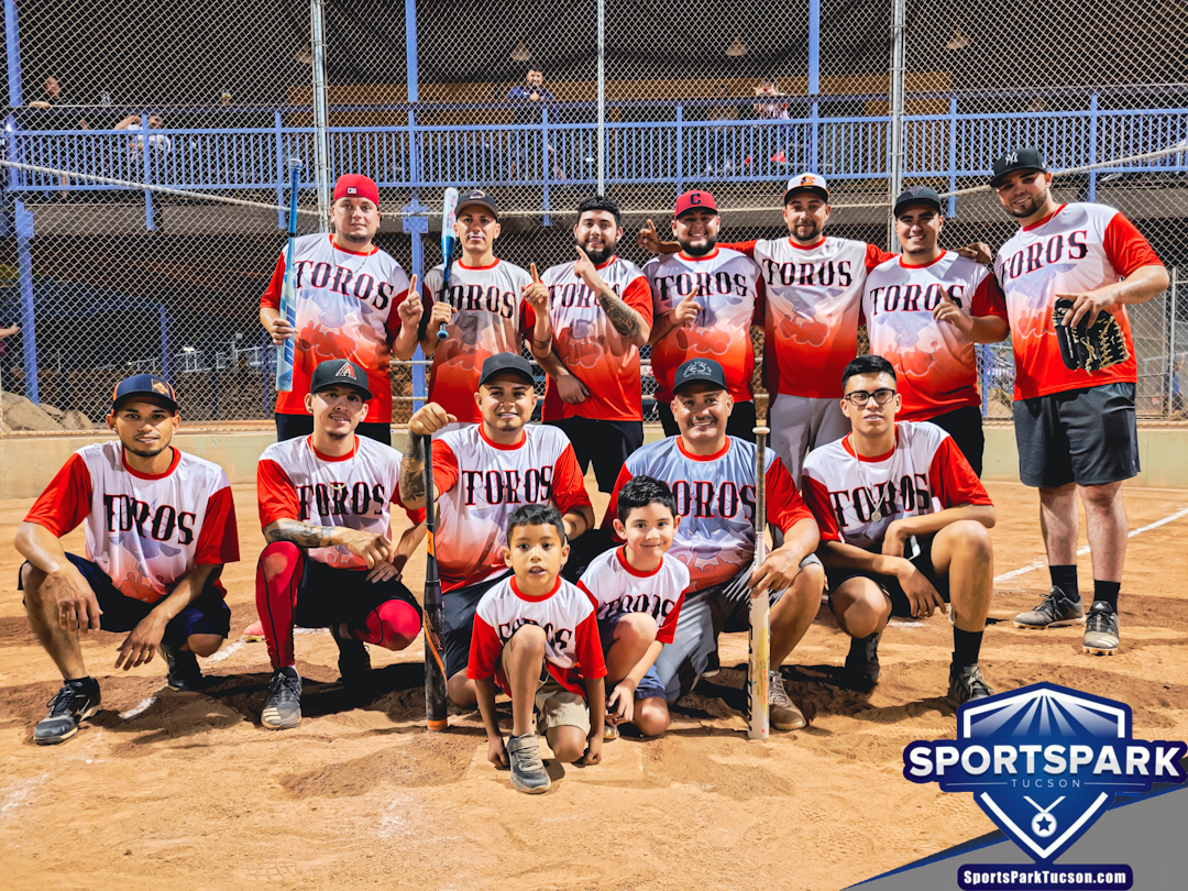 Softball Mon Men's 10v10 - E-2, Team: Los Toros