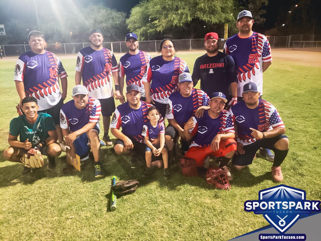 Softball Mon Men's 10v10 - E/Rec Champions