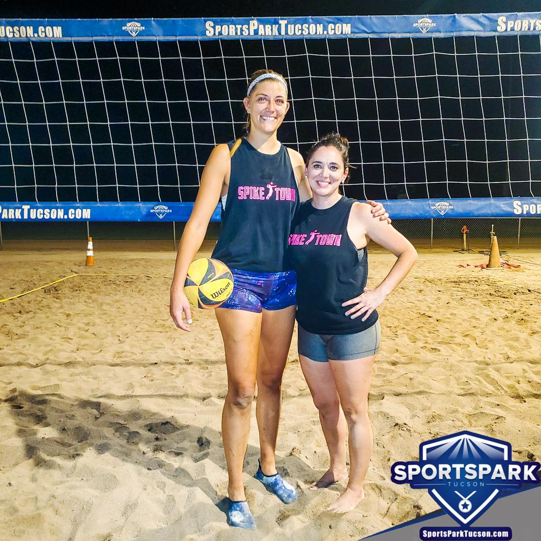 Volleyball Tue Women's 2v2 , Team: Spiketown